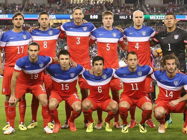 U.S. men's national soccer team photo before game