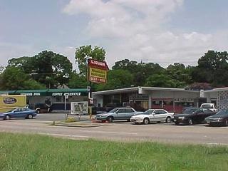 News_Mandola's Liquor Store