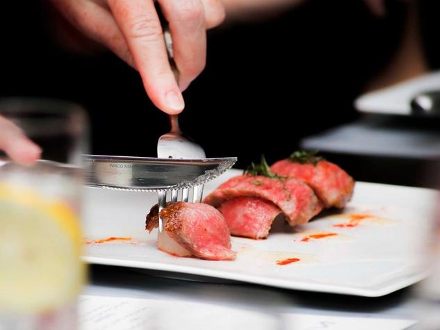 Nara tasting February 2014 cutting meat