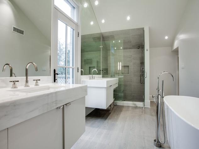 Bathroom 4414 Lorraine in Dallas