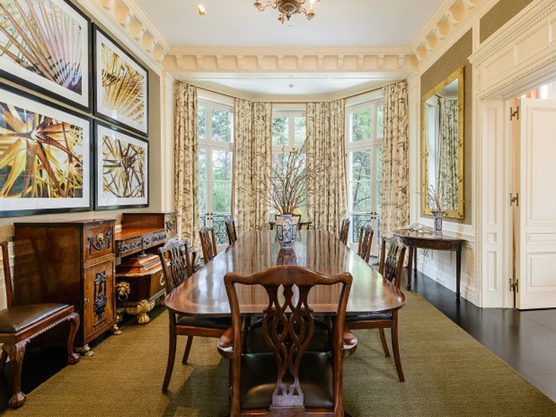 10000 Hollow Way guest house dining room