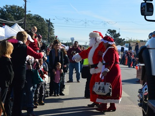 Dripping Springs Lion's Club and City of Dripping Springs presents Christmas on Mercer Street