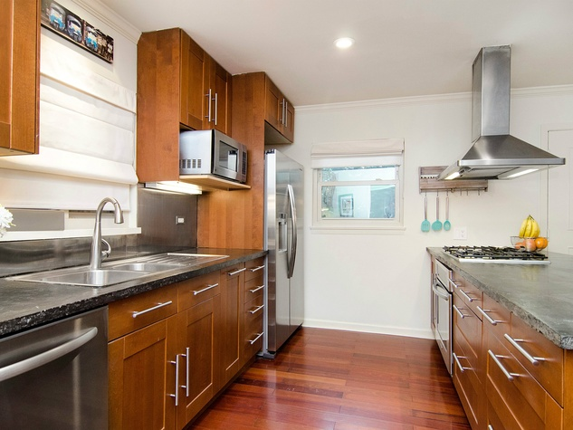 6706 Pimlico Dr. kitchen
