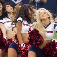 Houston Texans Cheerleaders, cheerleaders, pom poms