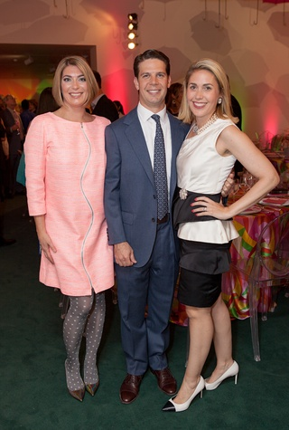 80 Claudia Schmuckli, from left, with Mark and Leslie Hull at the Blaffer Gala May 2014