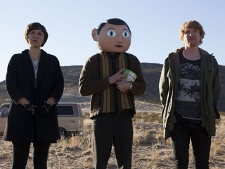 Maggie Gyllenhaal, Michael Fassbender and Domhnall Gleeson in the movie Frank