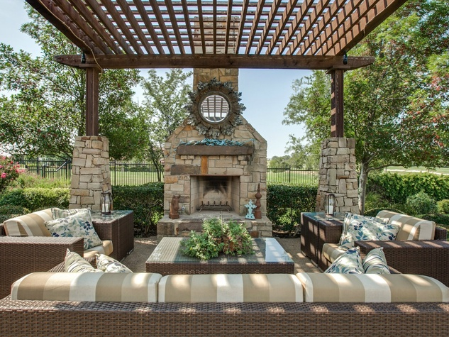 Outdoor living at 1724 Wisteria Way in Westlake