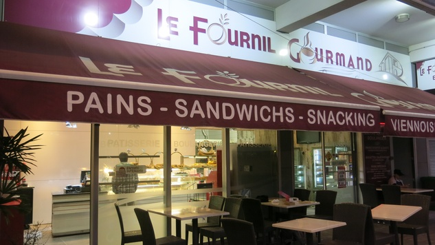 Stephan Lorenz Noumea, New Caledonia November 2014 If visiting Noumea,  a stop at this bakery must be high on the list for cake and baguette