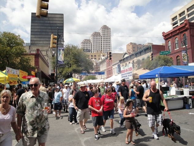 Austin Photo: Events_Pecan Street Festival_Street
