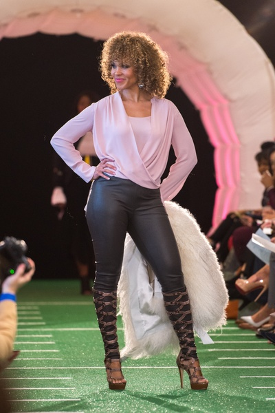 Nfl Players Wives Fashion Show