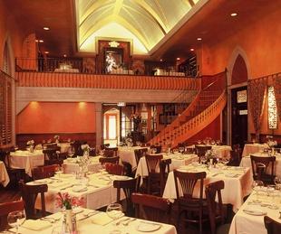 News_Marene Gustin_Tasty Valentine_Mark's American Cuisine interior