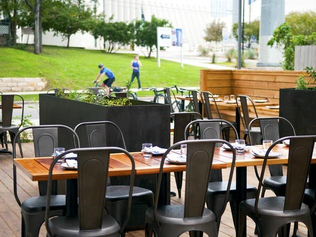 Emmer and Rye 2015 Austin restaurant outdoor patio Rainey Street