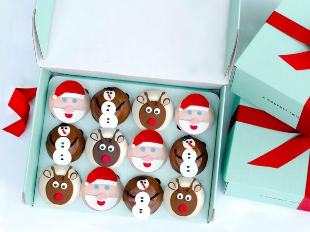 Crave cupcakes Christmas theme December 2013
