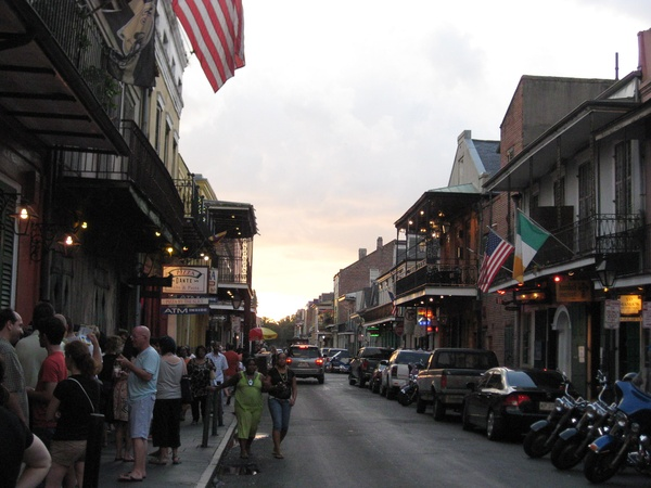 News_Peter Barnes_New Orleans_Bourbon Street