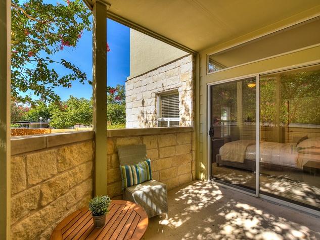 2209 Hancock Austin condo for sale patio
