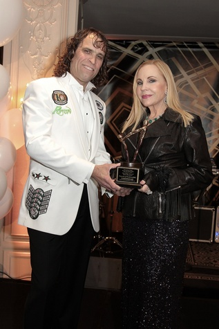 296 Kirk Lane and Carolyn Farb at the Devereux Texas Gala March 2015