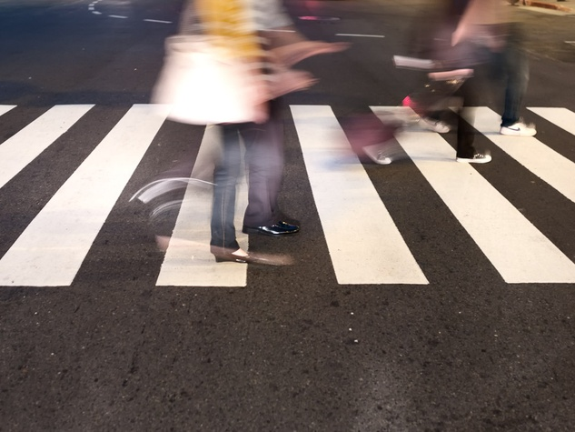News_walking_pedestrians_crosswalk