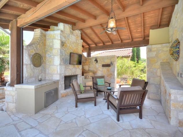 7200 Turnbuoy Austin house for sale patio