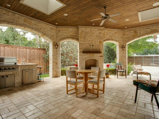 Back patio at 4436 Brookview in Dallas
