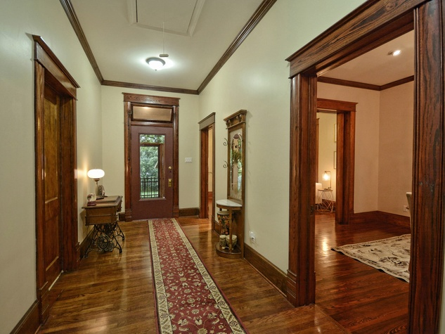 Austin home house 2416 S 2nd Street 78704 foyer