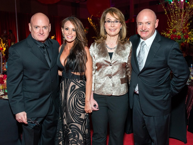 23 Scott Kelly, from left, Amiko Kauderer, Gabrielle Giffords and Mark Kelly at the San Luis Salute February 2015