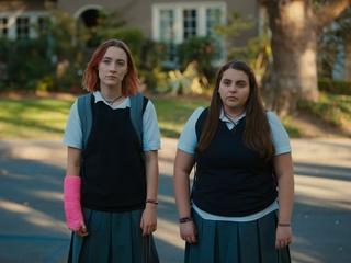 Saoirse Ronan and Beanie Feldstein in Lady Bird