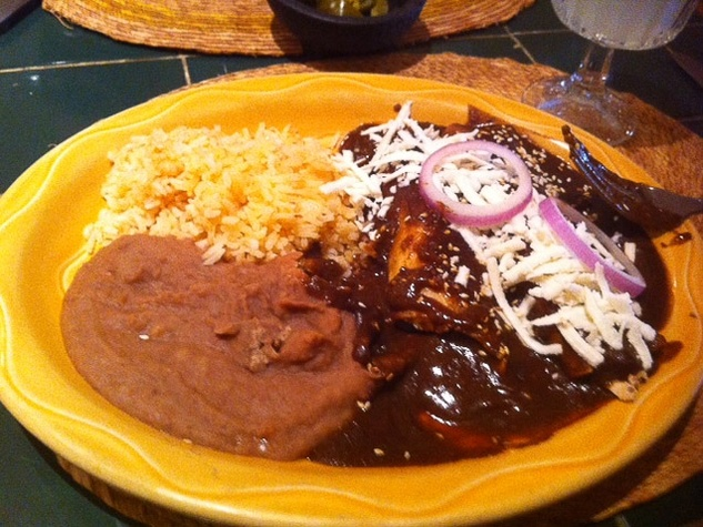 News_Marene_Mexican food_rice_beans_mole pablano_Mari Selma Restaurant
