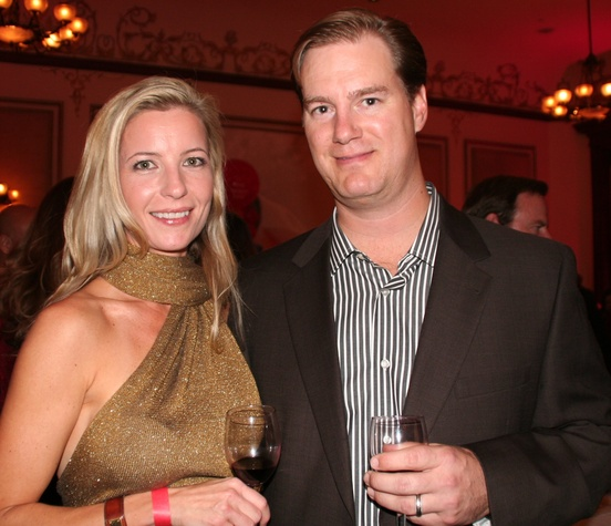 Austin Photo Set: News_Matt McGinnis_Big reds and bubbles_Nov 2011_dominique and will douglas