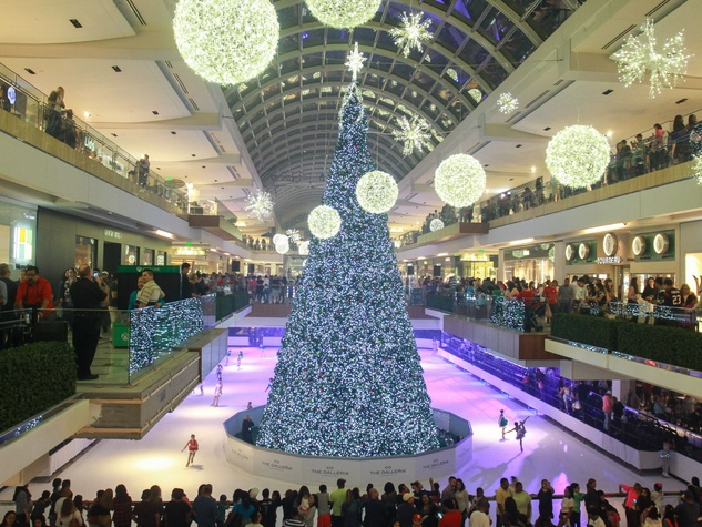Galleria Tree Lighting