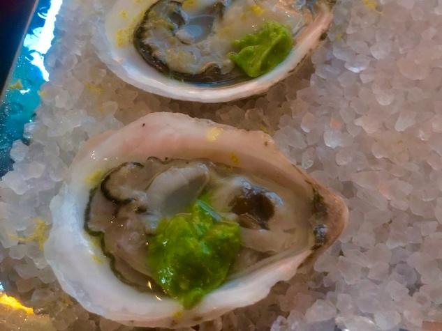 Cafe Annie raw oysters