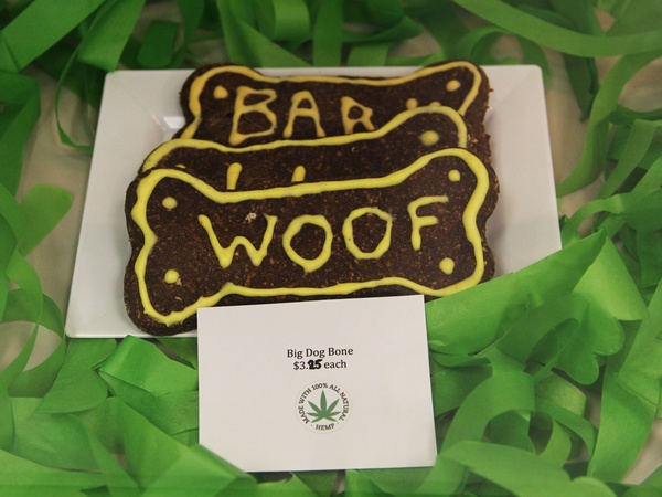 Green Bone, barkery, bakery, March 2013, dog treat