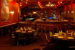 Austin_photo: places_drinks_buffalo billiards_inside