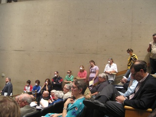 Crowd at fracking hearing