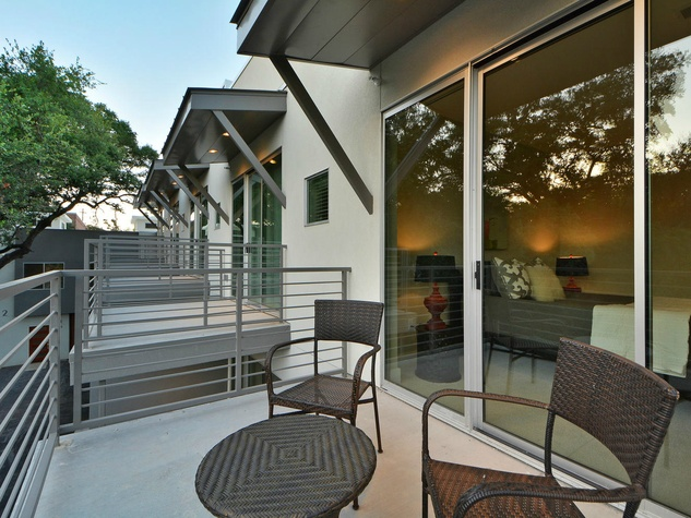 Austin townhome 2002 Glen Allen Street October 2015 balcony