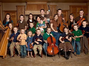 Austin Photo Set: News_Mike_The Duggars_Another baby_Nov 2011_family