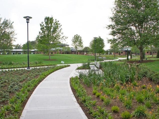 News_Menninger Clinic_April 2012_landscaping_grounds