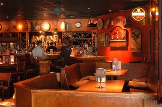 Places-Drinks-McGonigel's Mucky Duck bar