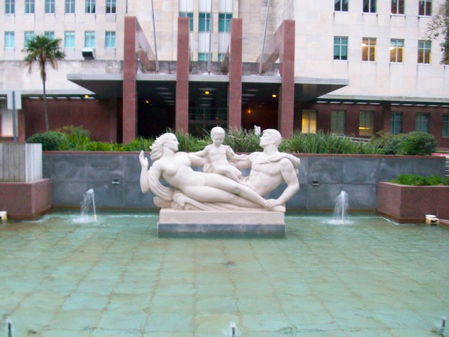 News_Ralph_Prudential building_statues_fountain