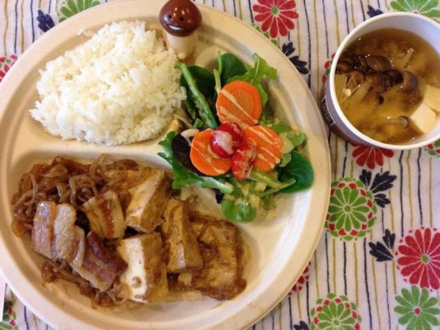 Kinoko, pork and tofu