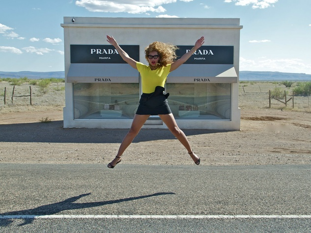 Beyonce in front of Prada Marfa installation