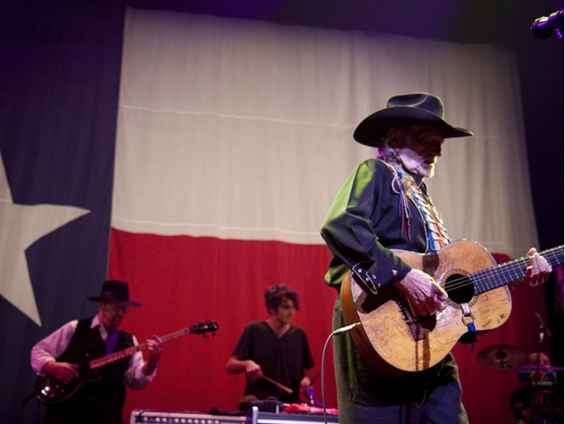 Austin Photo Set: News_Rick Kern_willie nelson_new years eve_acl_jan 2012_willie nelson texas flag