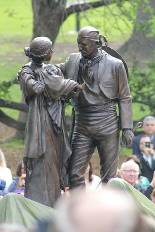 Austin Photo Set: News_Gabino Iglesias_Tejano Monument_march 2012_family