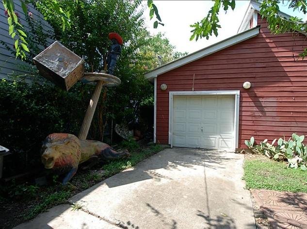 4739 Buck Bert Long home studio