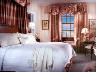 Room at Stoneleigh Hotel in Dallas