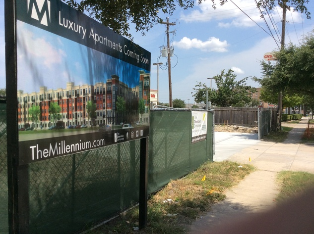 Dinerstein apartments under construction on South Main near Kirby
