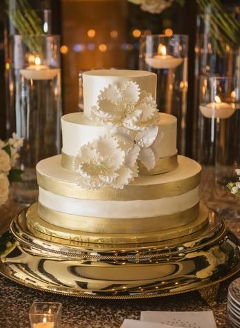 6 Wonderful Weddings A Fare Extraordinaire February 2015 Brandy Stoesz Photography wedding cake