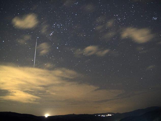 Geminids, meteor shower, falling stars, shooting stars