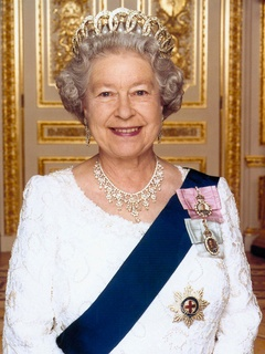 News_Queen Elizabeth II_queen of England_royality_crown