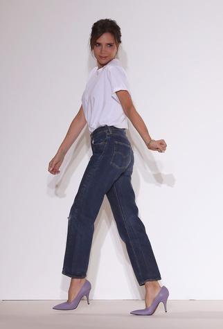 Victoria Beckham takes runway bow New York Fashion Week