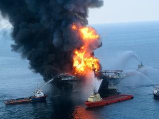 News_Deepwater Horizon_oil rig_fire_oil spill